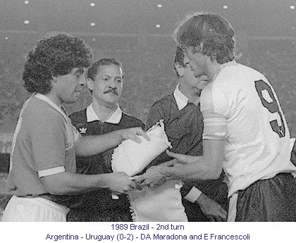 CA_00316_1989_2nd_turn_Argentina_Uruguay_DA_Maradona_and_E_Francescoli_en.jpg