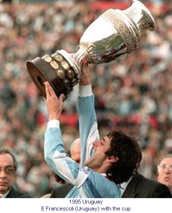 CA_00402_1995_E_Francescoli_Uruguay_with_the_cup_en.jpg