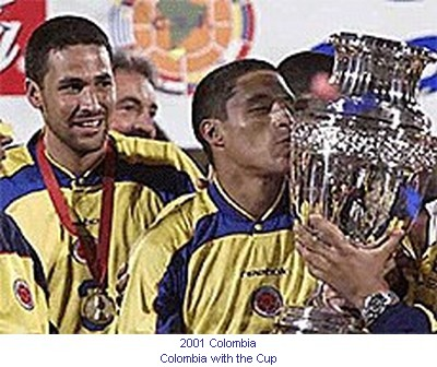 CA_00498_2001_Colombia_with_the_cup_en.jpg