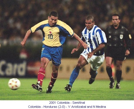 CA_00499_2001_Semi_final_Colombia_Honduras_V_Aristizabal_and_N_Medina_en.jpg