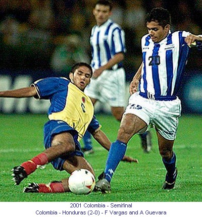 CA_00509_2001_Semi_final_Colombia_Honduras_F_Vargas_and_A_Guevara_en.jpg