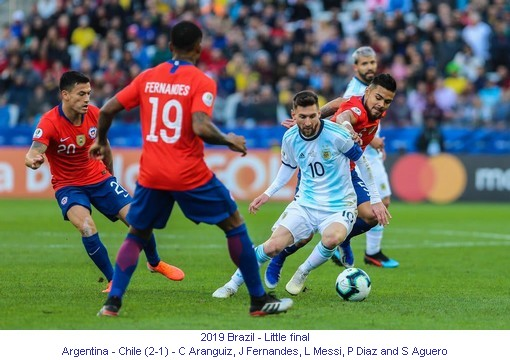 CA_01328_2019_Little final_Argentina_Chile_C_Aranguiz_J_Fernandes_L_Messi_P_Diaz_and_S_Aguero_1_en.jpg
