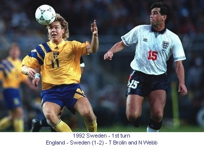 CE_00765_1992_1st_turn_England_Sweden_T_Brolin_and_N_Webb_en.jpg
