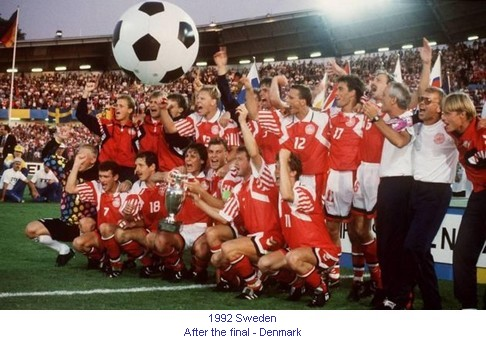 CE_00768_1992_After_the_final_Denmark_en.jpg