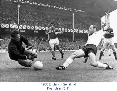 CM_00204_1966_Semi_final_Frg_Ussr_en.jpg