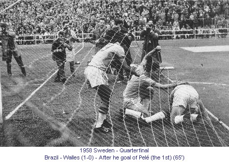 CM_00223_1958_Quarterfinal_Brazil_Walles_After_goal_Pele_en.jpg