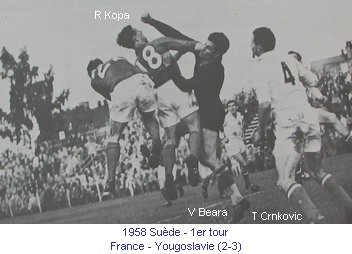 CM_00968_1958_1er_tour_France_Yougoslavie_R_Kopa_V_Beara_T_Crnkovic_fr.jpg