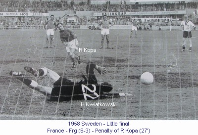 CM_00980_1958_Little_final_France_Frg_Penalty_R_Kopa_27_en.jpg
