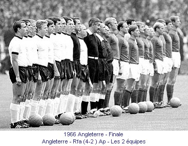 CM_01015_1966_Finale_Angleterre_Rfa_Les_2_equipes_fr.jpg