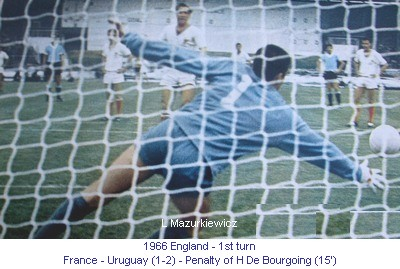 CM_01023_1966_1st_turn_France_Uruguay_Penalty_H_De_Bourgoing_15_en.jpg