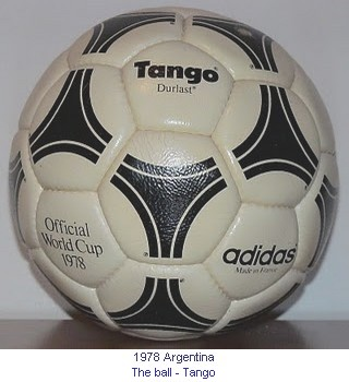 CM_01161_1978_The_ball_en.jpg