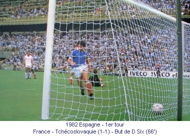 CM_01171_1982_1er_tour_France_Tchecoslovaquie_But_D_Six_66_fr.jpg