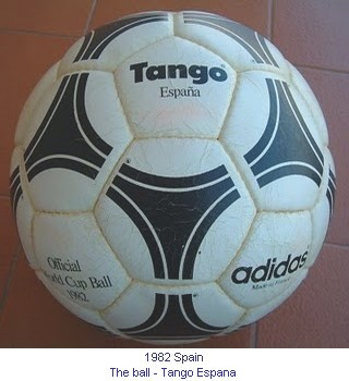 CM_01174_1982_The_ball_en.jpg