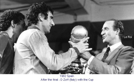 CM_01187_1982_After_the_final_D_Zoff_and_the_Cup_en.jpg