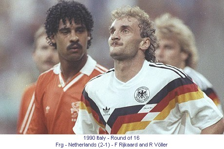 CM_01234_1990_Round_of_16_Frg_Netherlands_F_Rijkaard_and_R_Voller_en.jpg