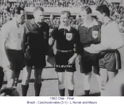 CM_01370_1962_Final_Brazil_Czechoslovakia_L_Novak_and_Mauro_en.jpg